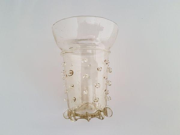 Perlennuppenbecher 13. - 14. Jahrhundert
